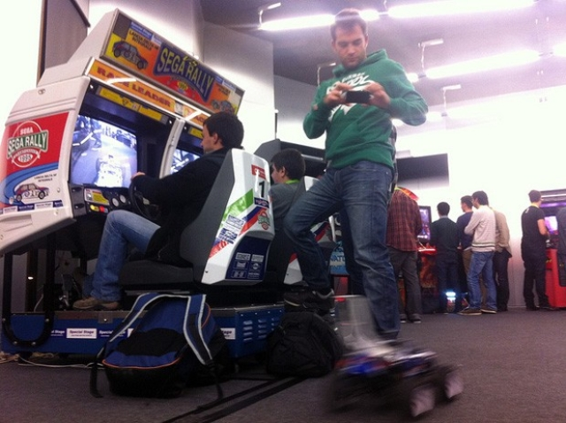 Sega Rally arcade cabinet controls RC cars using Arduino