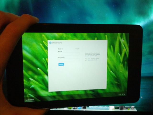 Nexus 7 tablet runs Chromium OS
