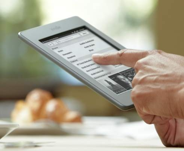 Can eReaders survive the tablet onslaught?
