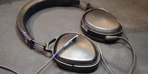 Lightning Connected Headphones