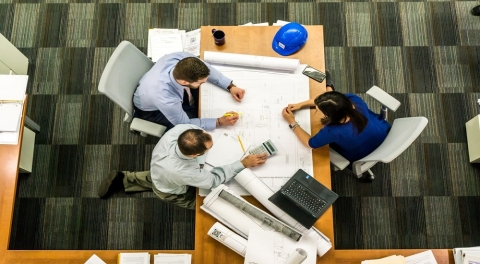 Why Businesses Need Contractors