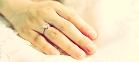 <b>7 Insider Secrets from Industry Experts to Help You Buy an Engagement Ring</b>