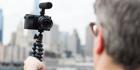 5 Things To Consider When Buying a Vlogging Camera