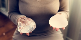 Difference Between Silicone vs Saline Breast Implants