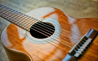 How to play the guitar better: 10 useful tips