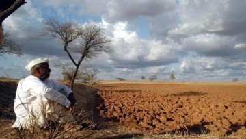 The issue of increasing farmer suicides has brought Modi government in question. (Photo: PTI)