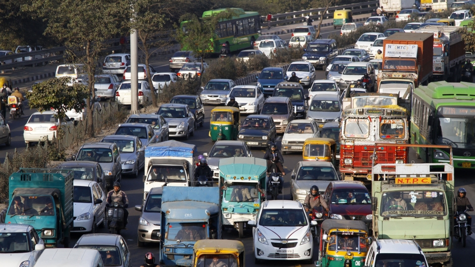 Banned: 10-Year-Old Diesel Vehicles on Delhi Roads - The Quint