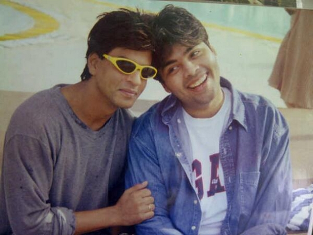 "Shah Rukh and Karan Johar on sets of Kuch Kuch Hota Hai (Photo: <a href=""https://twitter.com/karanjohar/media"">Twitter/@karanjohar</a>)"