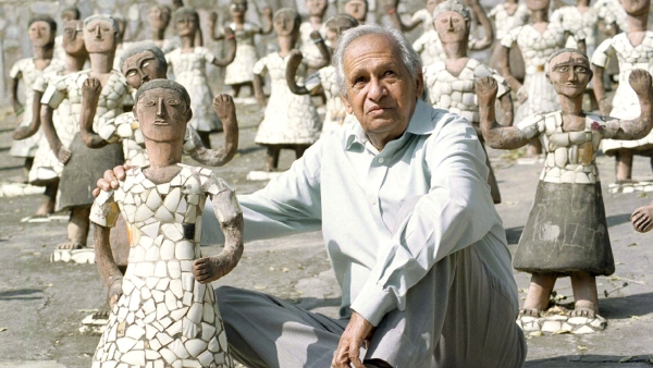 <!--StartFragment-->Nek Chand, sits among idols in his Rock Garden in Chandigarh (Photo: Reuters)<!--EndFragment-->