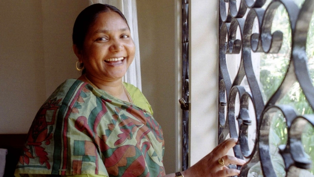 In 1996, two years after she was released, Phoolan Devi contested elections on a Samajwadi Party (SP) ticket and won. (Photo: Reuters)