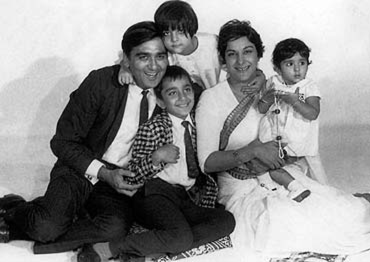 Sunil Dutt and Nargis with their children Priya, Sanjay and Namrata