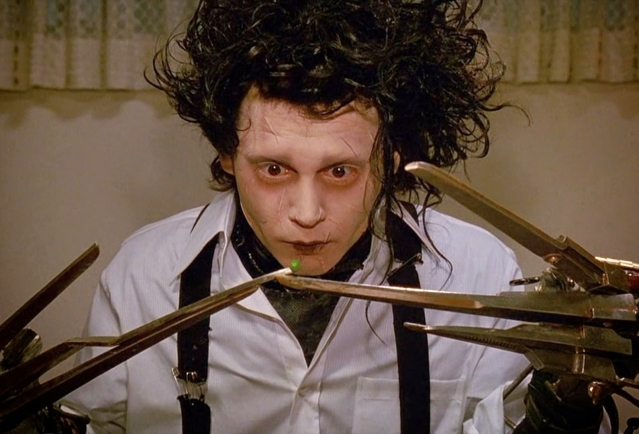 "<i>Edward Scissorhands</i> (Photo:<a href=""https://www.youtube.com/watch?v=M94yyfWy-KI""> YouTube/JohnVexer</a>)"