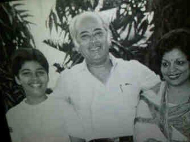 "Yash Johar with his son Karan and wife Hiroo Johar. (Photo:<a href=""https://twitter.com/karanjohar/media""> Twitter/@karanjohar</a>)"