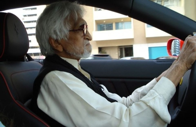 MF Husain driving his Ferrari. (Photo Courtesy: Sahar Zaman)