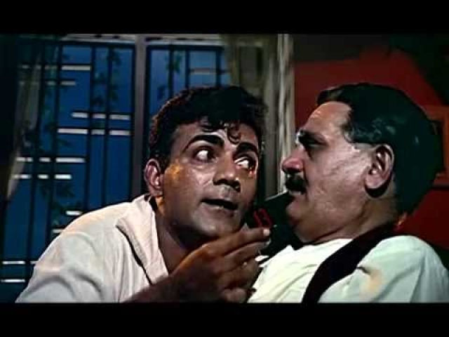 Mehmood and Om Prakash in <i>Pyaar Kiye Jaa.</i>