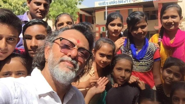 Rakeysh Omprakash Mehra takes a selfie with youngsters from Yuva in Gujarat.