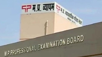 CBI registers six cases against several people in the Vyapam scam.