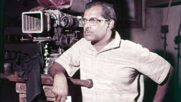 Hrishikesh Mukherjee (1922-2006). (Photo: Twitter/Gaana.com)