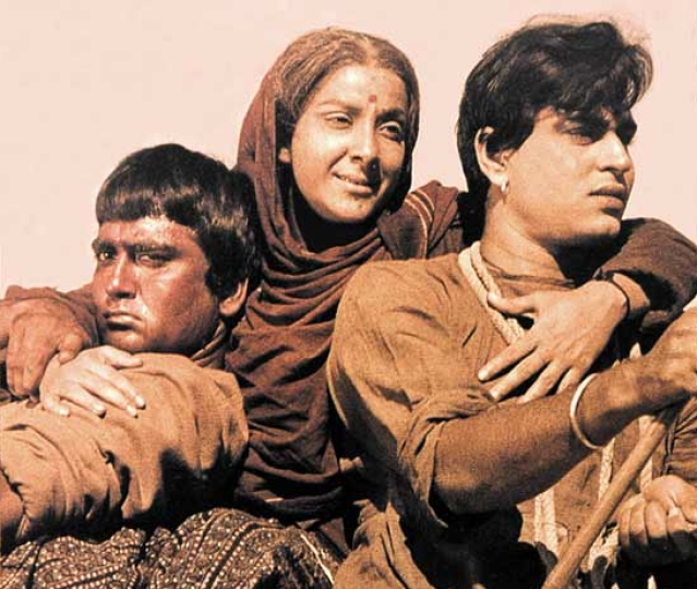 Nargis with Sunil Dutt and Rajendra Kumar in <i>Mother India.</i>