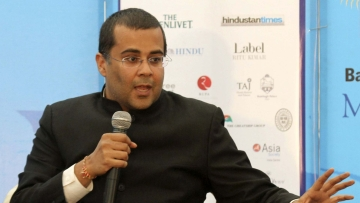 Chetan Bhagat's remarks have made him one of the least favourite person among  disgruntled ex-servicemen. (Photo: Reuters)