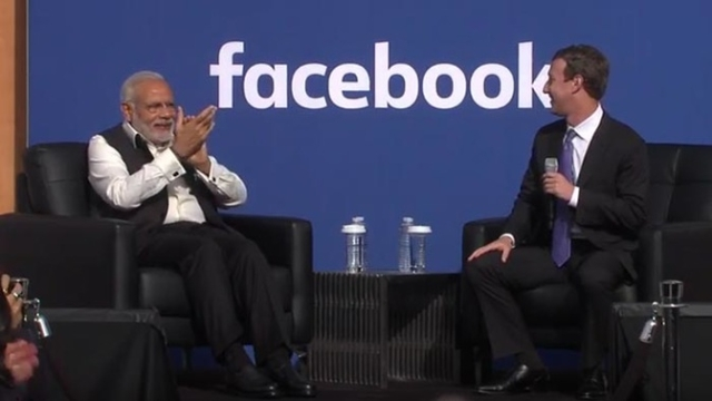 "Prime Minister Narendra Modi with Facebook founder Mark Zuckerberg at Facebook HQ. (Photo:<a href=""https://www.youtube.com/watch?v=1-OFfyf7aoA&feature=youtu.be"">YouTube/NarendraModi</a>)"