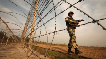 "Pakistan expresses ""deep concern"" about India's plans to construct a wall along the LoC allegedly to convert it ""into a quasi international border"". (Photo: Reuters)"
