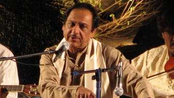 "File photo of Ghulam Ali in a concert at Rock Heights, Hyderabad, on April 6, 2007. (Courtesy: <a href=""https://en.wikipedia.org/wiki/en:User:Punitkhanna"">Punit Khanna</a>)"