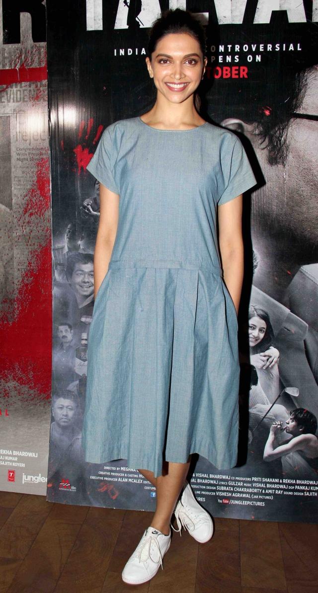 Deepika is all smiles at the special screening of <i>Talvar </i>(Photo: Yogen Shah)