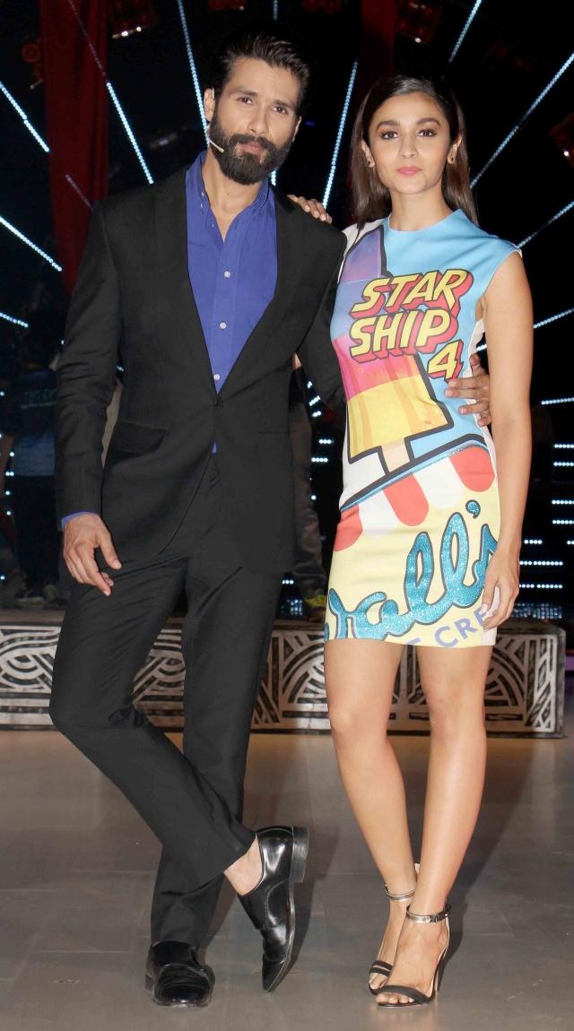 Shahid Kapoor and Alia Bhatt looked shark and funky on<i> Jhalak Dikhhla Jaa </i>(Photo: Yogen Shah)