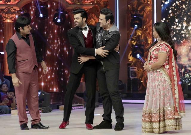 Krisha, Sudesh, Manish Paul and Bharti on the sets of <i>Jhalak Dikhhla Jaa </i>(Photo: Yogen Shah)