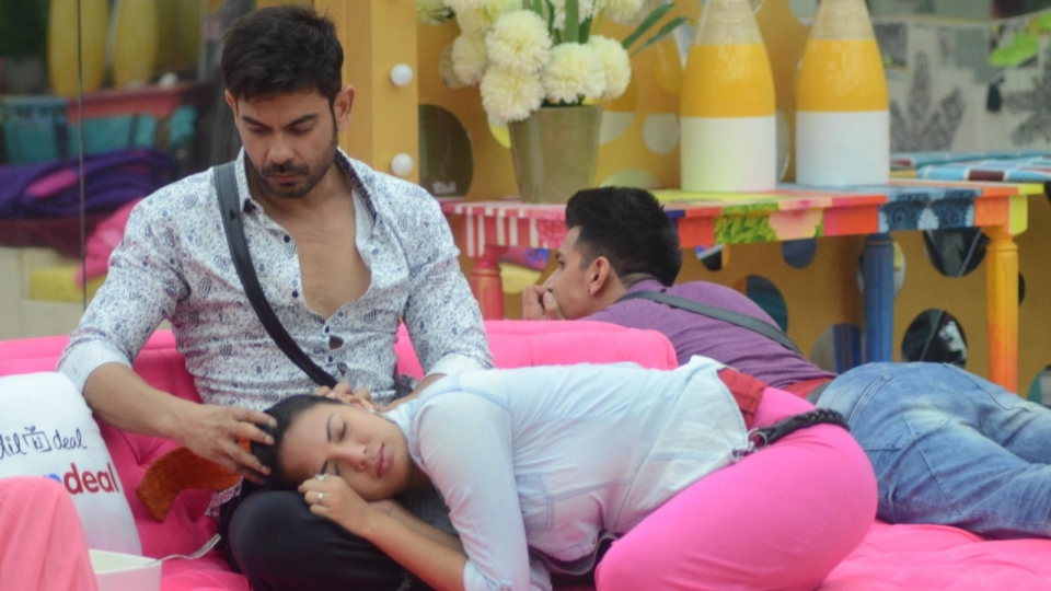 Here Are a Few Secrets of the Bigg Boss 9 Inmates! - The Quint
