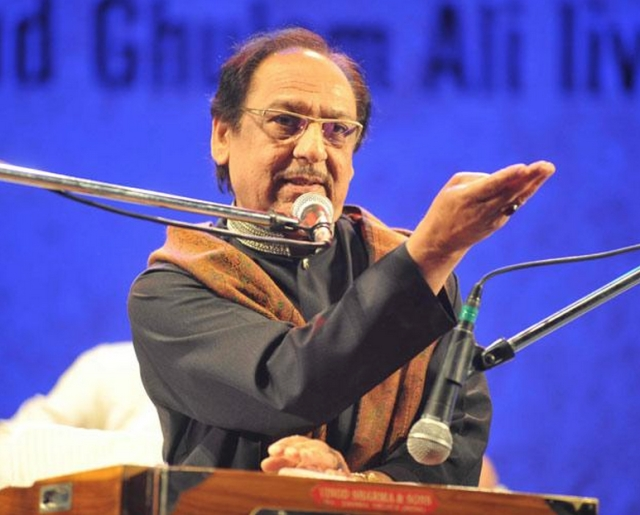 "Ghulam Ali told reporters that 'a musician belongs to everyone, this shouldn't happen' (Photo: Twitter/<a href=""https://twitter.com/WorldPTV/status/651765642438307841"">@WorldPTV</a>)"