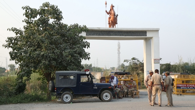 Entrance to village Bisahara, Dadri has been sealed by the Uttar Pradesh Police. (Photo: The Quint)