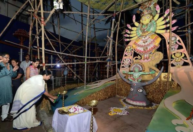 "Beginning from Mahalaya, Mamata inaugurated a number of Durga Pujas in Kolkata (Photo: twitter/<a href=""https://twitter.com/MamataOfficial"">@<b>MamataOfficial</b></a>)"