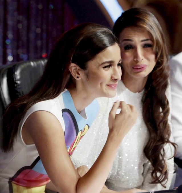 Alia Bhatt and Malaika Arora Khangiggle away while judging the show (Photo: Yogen Shah)