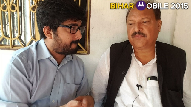 Dr Shakeel Ahmad Khan (right) speaks to The Quint's Aakash Joshi (Photo: The Quint)