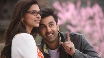 """Even when you think you've read all about it, loving someone with depression will give you a whole new perspective. (Photo Courtesy: <a href=""""https://www.facebook.com/YehJawaaniHaiDeewani/photos_stream"""">Facebook/Yeh Jawaani Hai Deewani</a>)"""