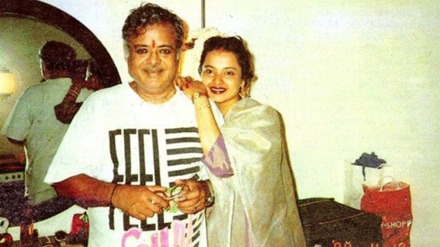 "Gemini Ganesan with daughter Rekha in a rare photograph (Photo: Twitter/<a href=""https://twitter.com/TheRekhaFanclub"">@TheRekhaFanclub</a>)"