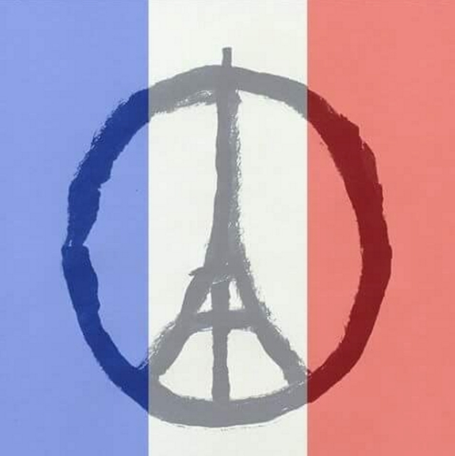 "People across the world have changed their display pictures on Twitter and Facebook to show solidarity towards the Paris attacks (Photo: Twitter/<a href=""https://twitter.com/Mahabharata_ID/status/665796793540739072"">@Mahabharata_ID</a>)"