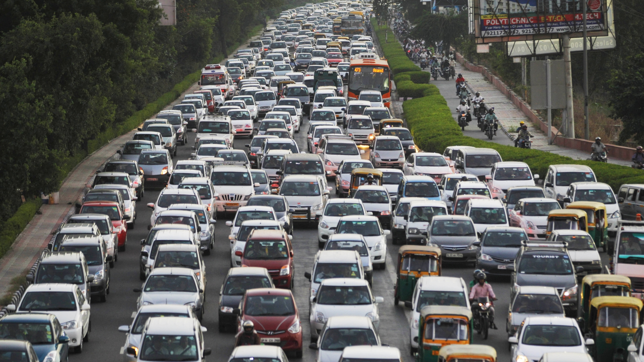 Five Reasons Why Indians Aren't Buying Enough Cars