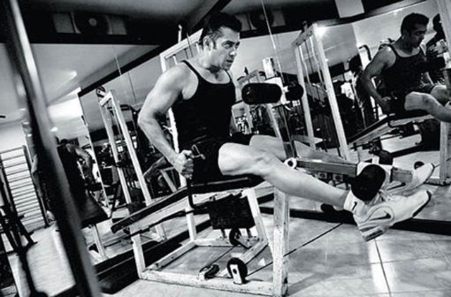 Salman working out at the gym.
