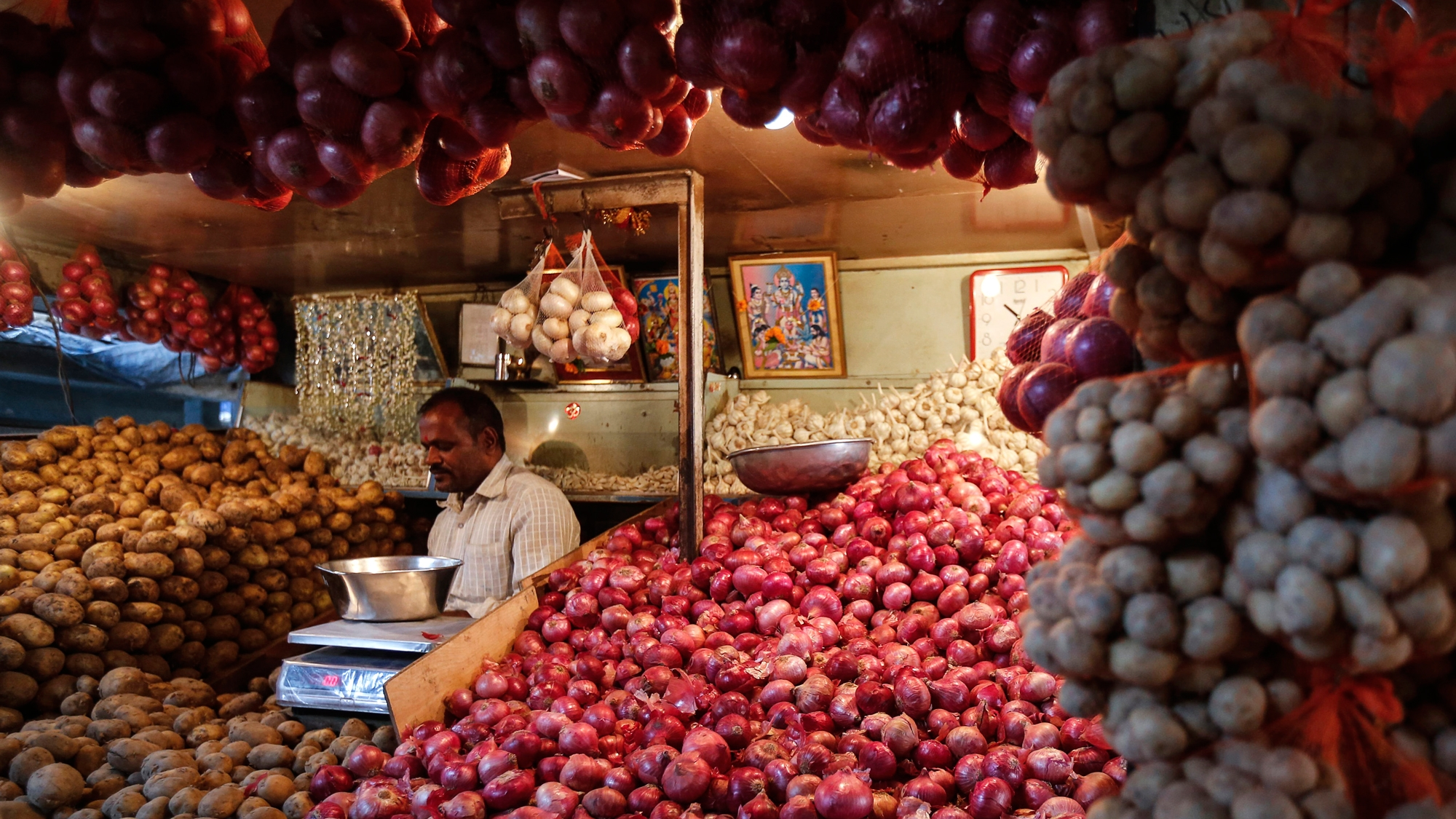 Wholesale Price Index Inflation Rises to 2.93% in February