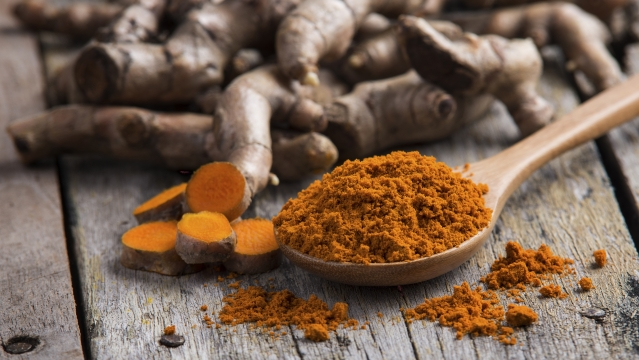 Curcumin, a chemical found in turmeric is known to have anti inflammatory properties.