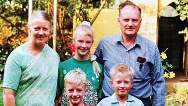 The Staines family before Graham Staines (R) and his two sons Philip and Timothy were burnt alive by Hindu right-wing activists. (Photo Courtesy: Wikimedia Commons)