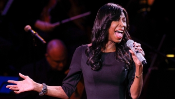 Singer Natalie Cole performing on March 2, 2015 at Avery Fisher Hall, in New York. (Photo: AP)