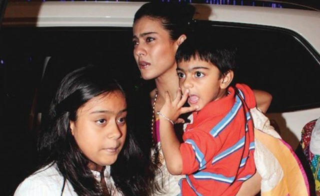 "Kajol believes that it is educative for kids to have working parents (Photo: Twitter/<a href=""https://twitter.com/mobizill/status/661163289347387392"">@mobizill</a>)"