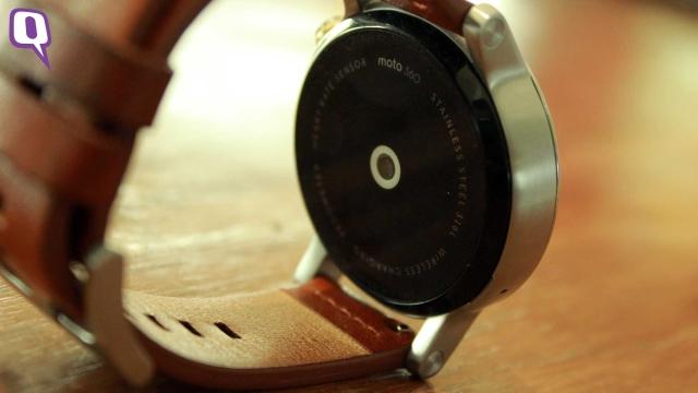 Motorola Moto 360 2nd Gen's heart rate sensor. (Photo: <b>The Quint</b>)