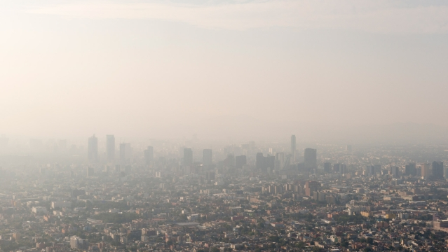Mexico city continues to battle against smog and unacceptable levels of ozone in the atmosphere. (Photo: iStockphoto)