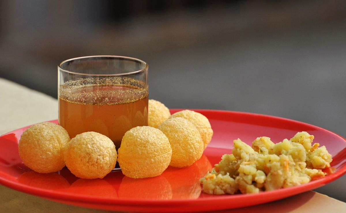 The pani puri with black grape juice was turned into a trend thanks to Sanjeev Kapoor's genius. (Photo Courtesy: <a href=&quot;https://pixabay.com/en/photos/nutrients/&quot;>pixabay.com</a>)&#8221; data-reactid=&#8221;277&#8243;><figcaption class=