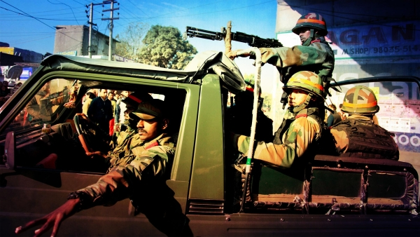 Armed forces during the counter-terror operation at Pathankot.  (Photo: PTI/<b>The Quint</b>)